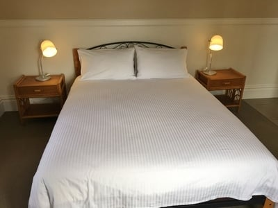 queen ensuite by settlers arms, Luxurious Accommodation To Stay, Venue And Function Space
